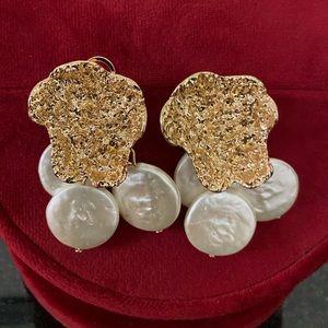 Anthropologie gold earring